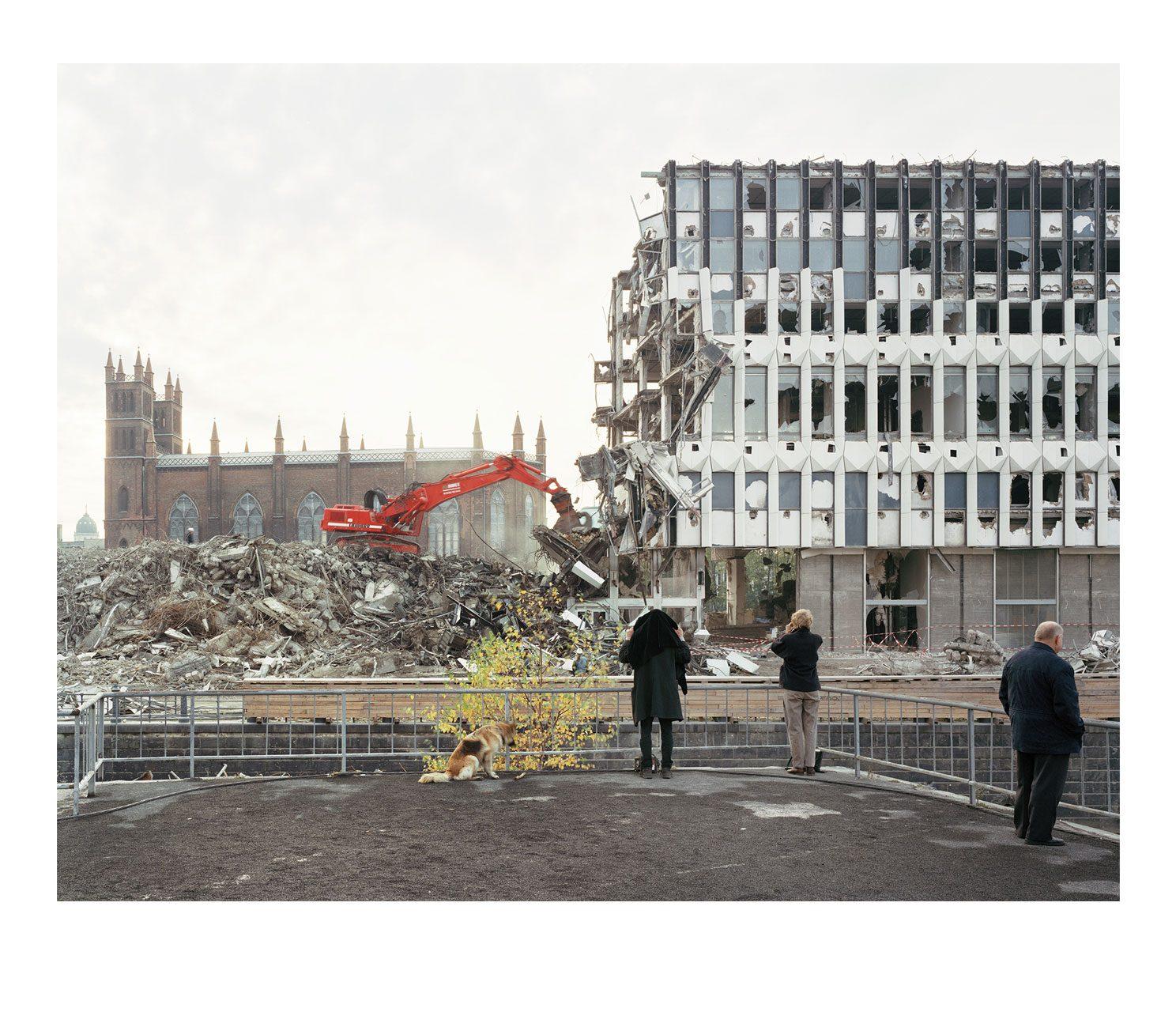 Stadt #11, Abriss Aussenministerum der DDR, 1995